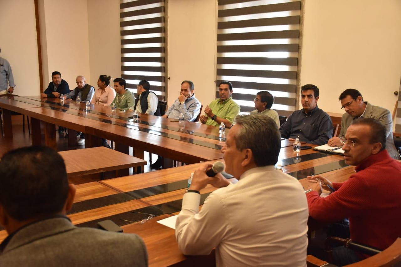 Acuerda municipio disposiciones emergentes con representantes de gasolineras