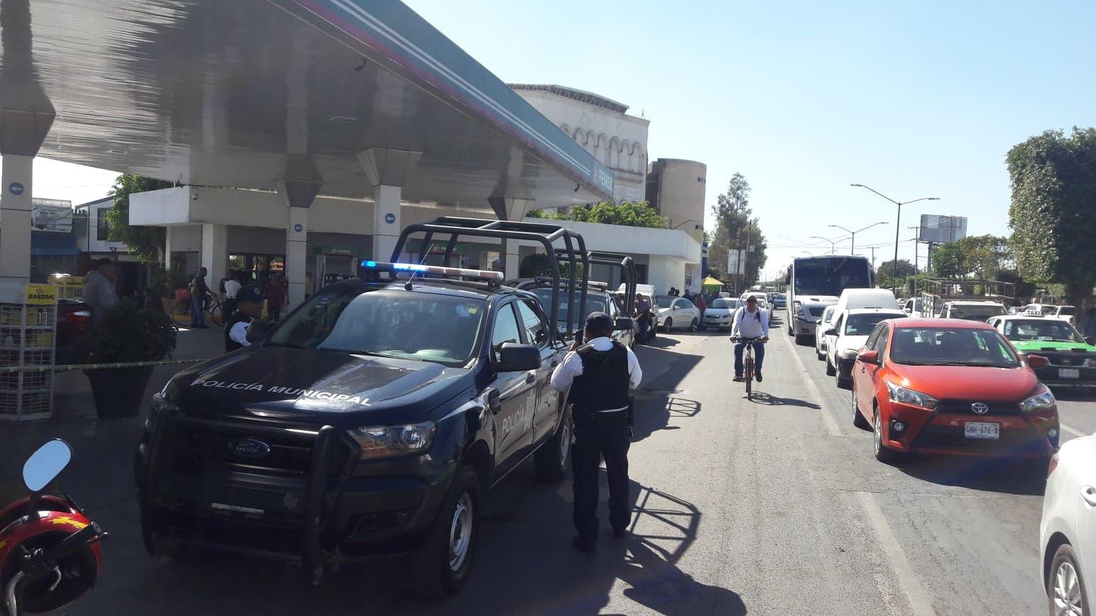 Intento de bloqueo en avenidas de Irapuato por desabasto de combustible generado por PEMEX