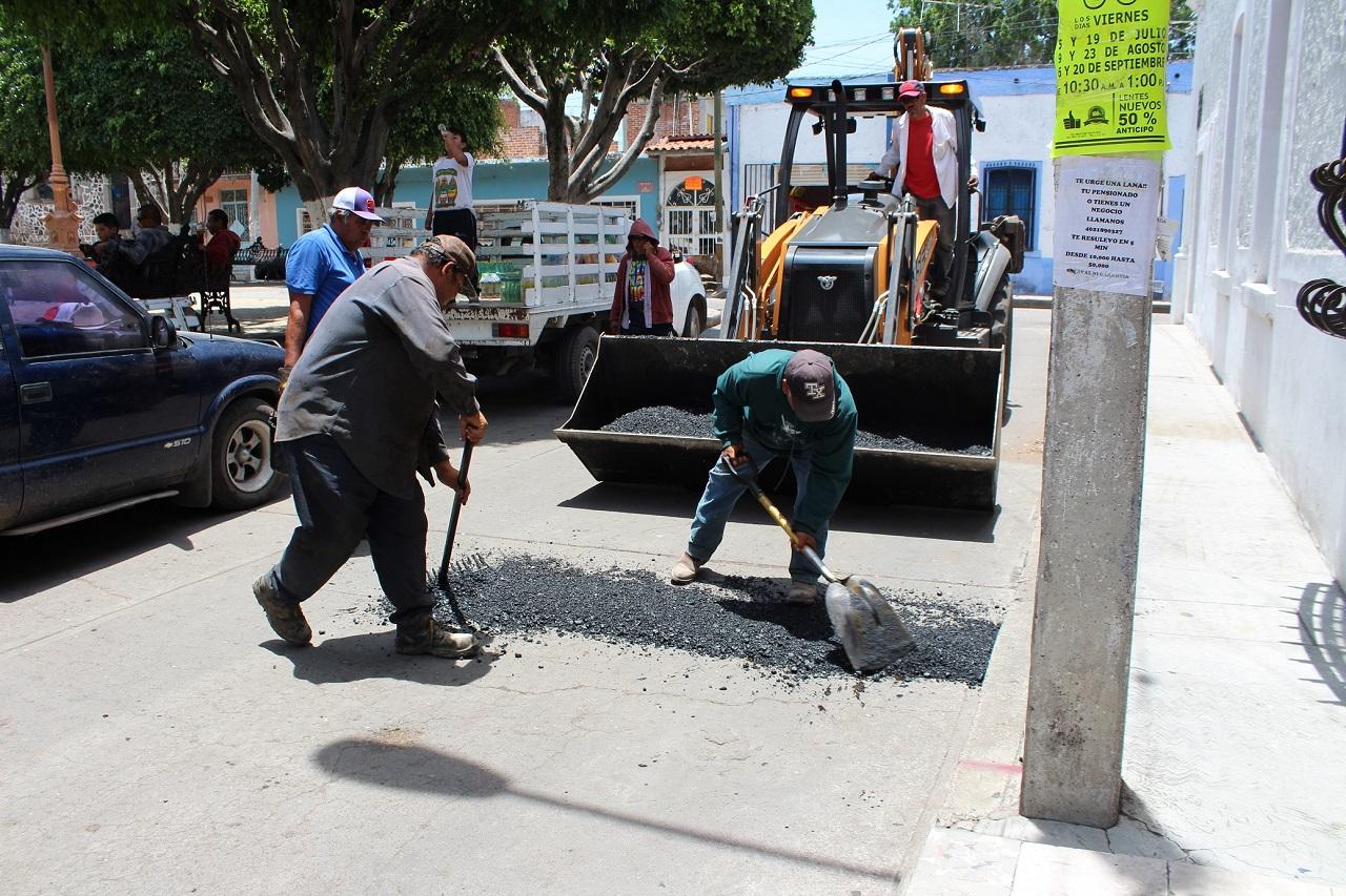 A 90% bacheo en zonas urbanas y rurales de Pueblo Nuevo