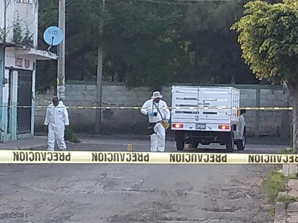 Grupo armado asesina a hombre y deja a dos mujeres heridas, una de ellas embarazada