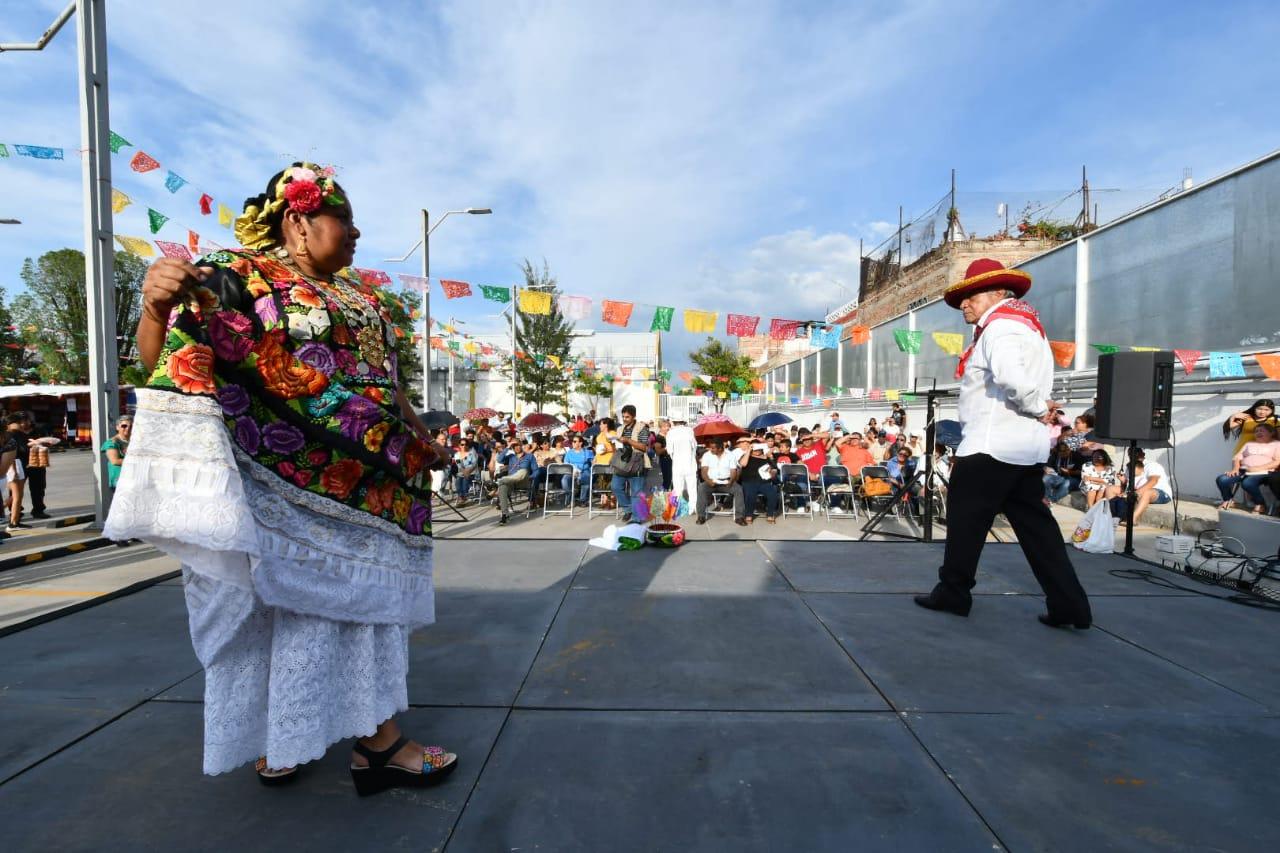 Inauguran exposición Oaxaqueña y de la Guelaguetza en Irapuato