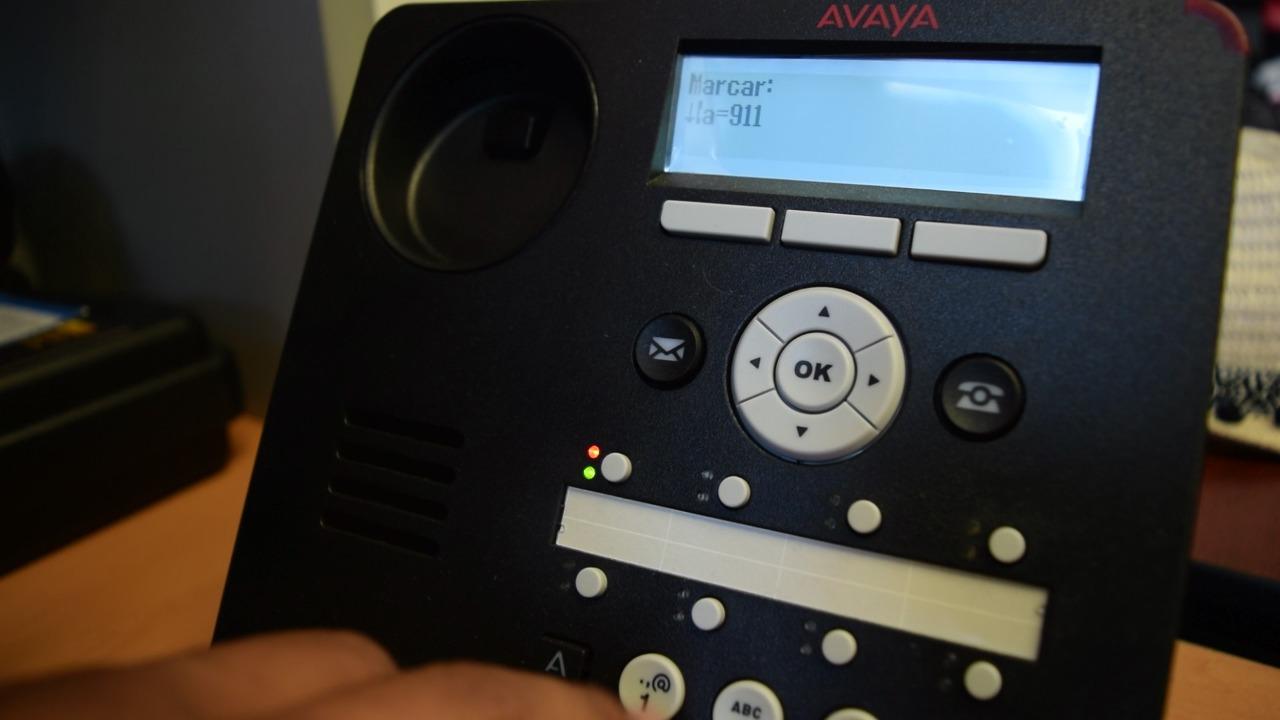 Bloquean número telefónico que realizaba miles de llamadas falsas al 911