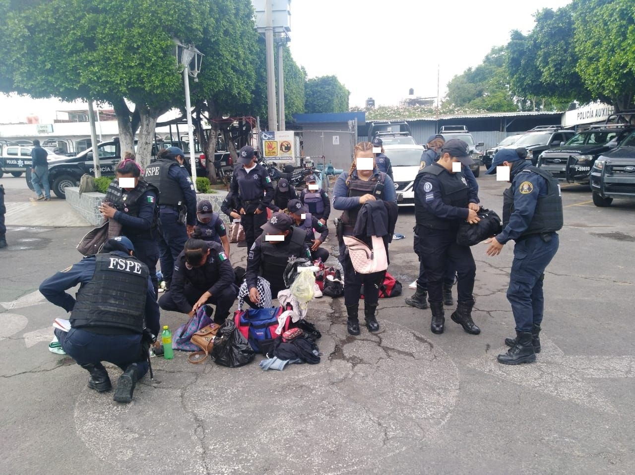 De forma sorpresiva, Ejército y FSPE revisan armas y celulares a policías municipales