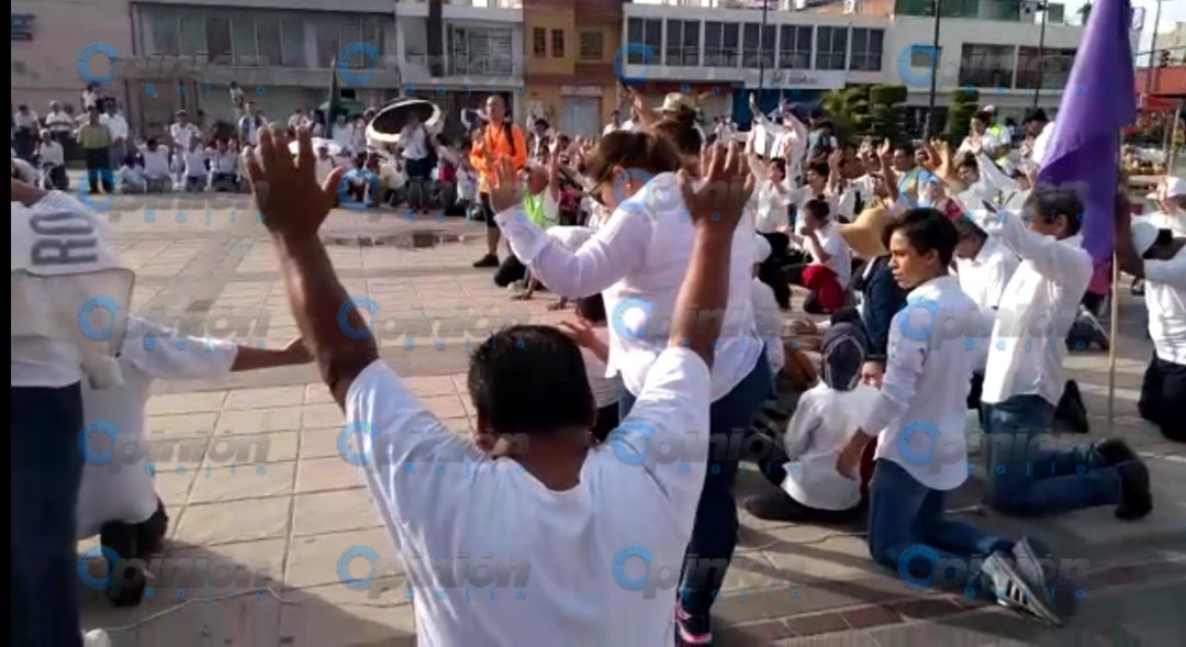Realizan marcha por la Paz; oran para que termine violencia