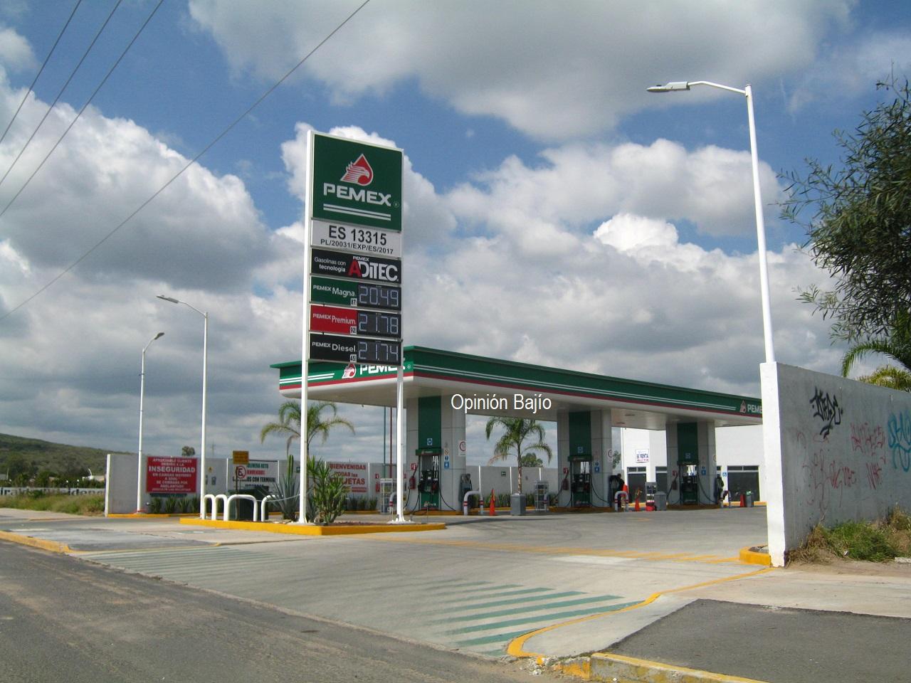 Gasolineras operan normalmente, tras compras de pánico de combustible