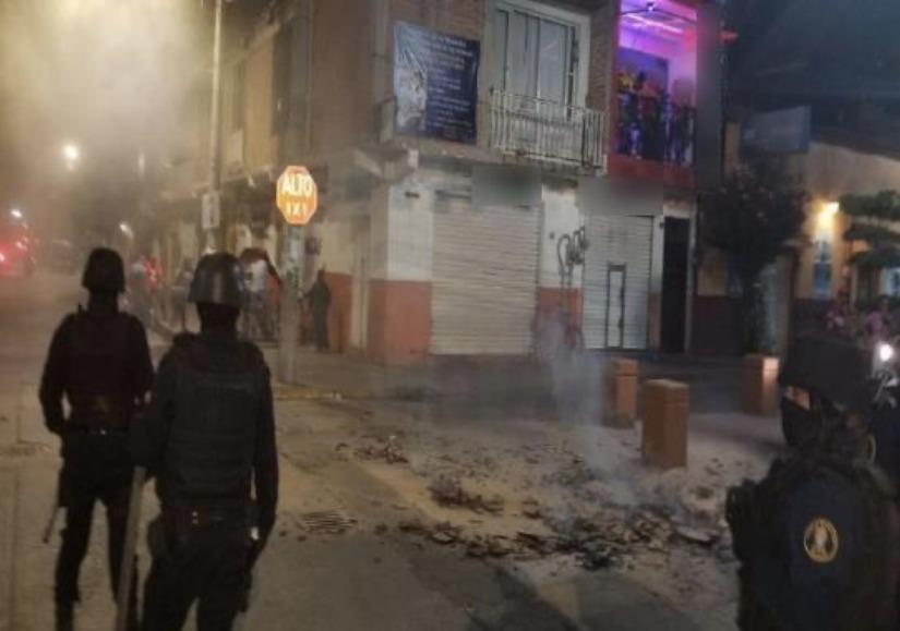 Hay 23 detenidos tras disturbios violentos en Cuerámaro