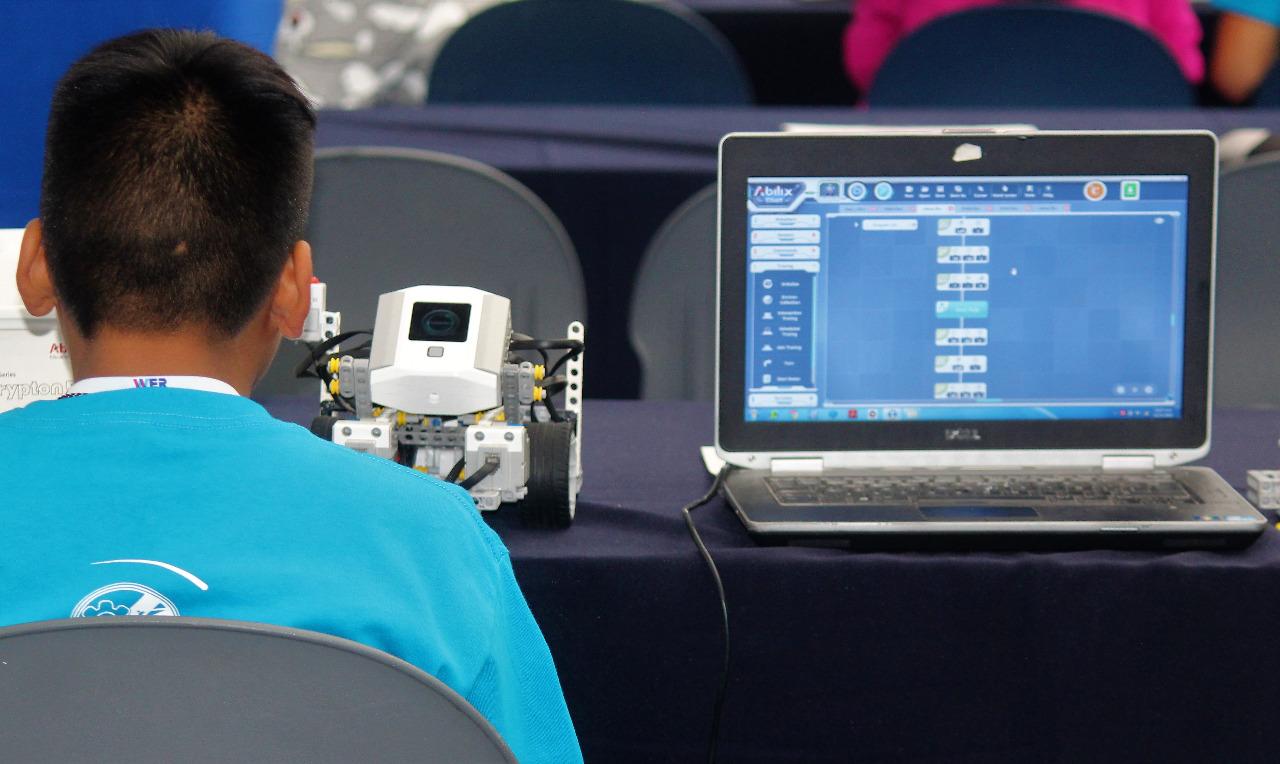 Ciencia y tecnología, prioridad en materia educativa: SEG Suroeste