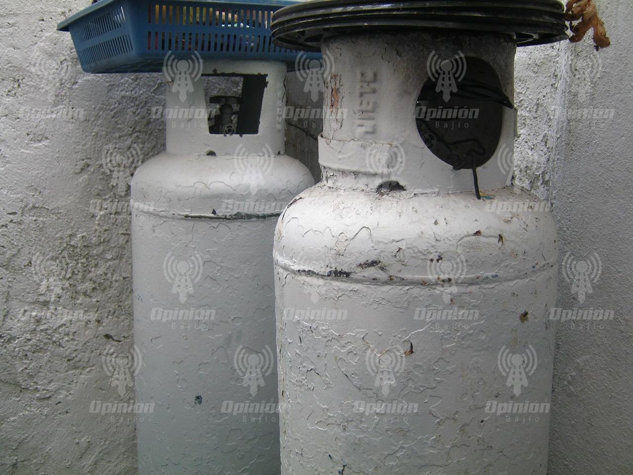 Detecta PC Irapuato pipas gaseras que llenan cilindros de 30 kilos; es riesgo grave de explosión