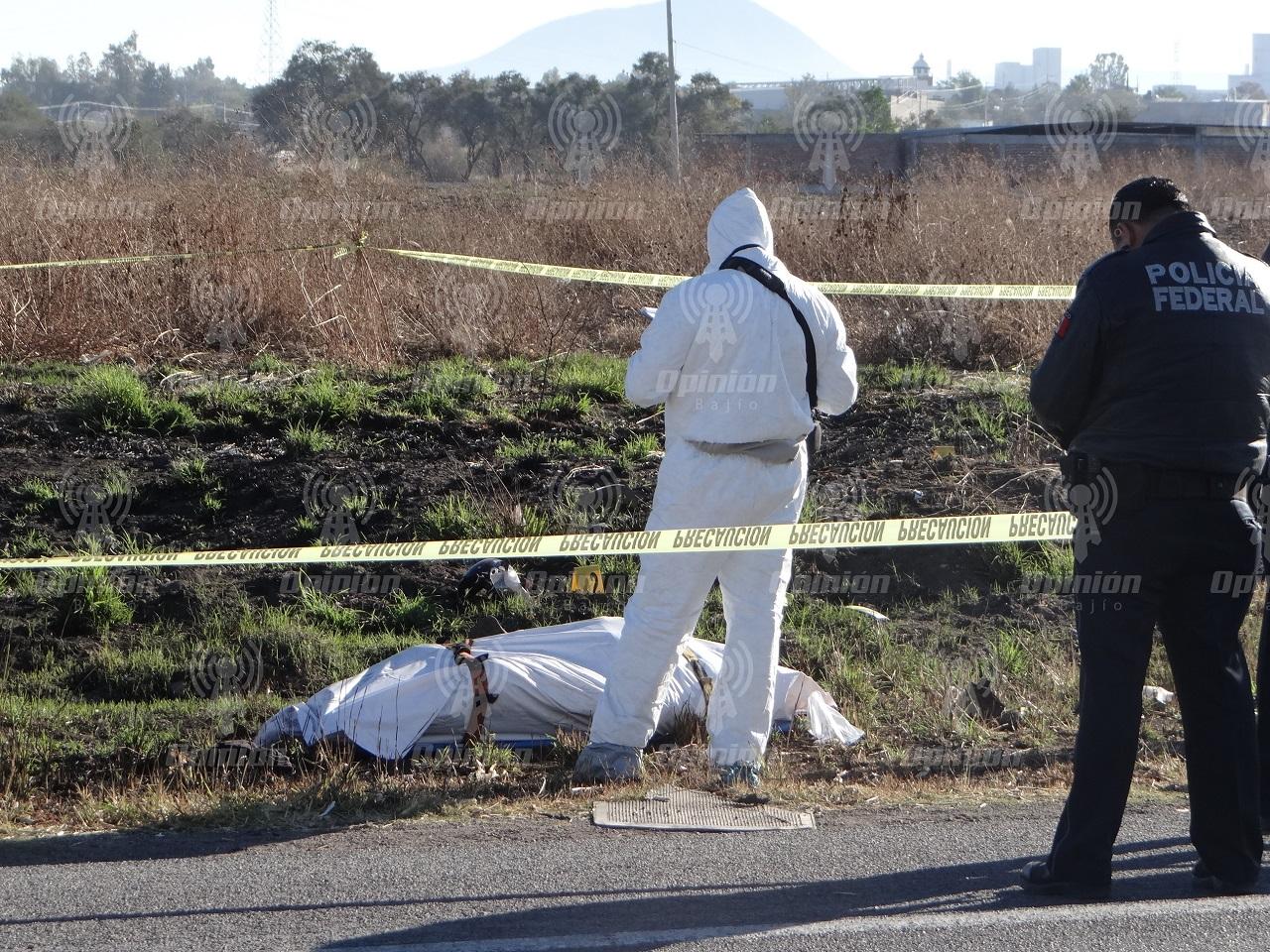 Nueva ola de violencia: vehículo incendiado, un policía herido y ejecución de motociclista, el saldo