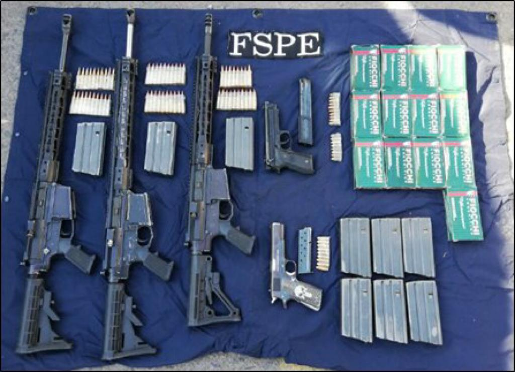 Desmantelan célula de crimen organizado en León: hay 12 detenidos y decomisan armas y carros