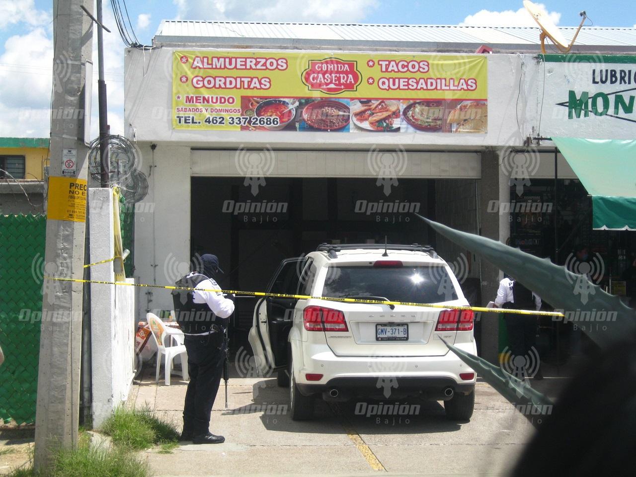 Grupo armado ataca asesina en fonda a  exdirector de mando único de Villagrán