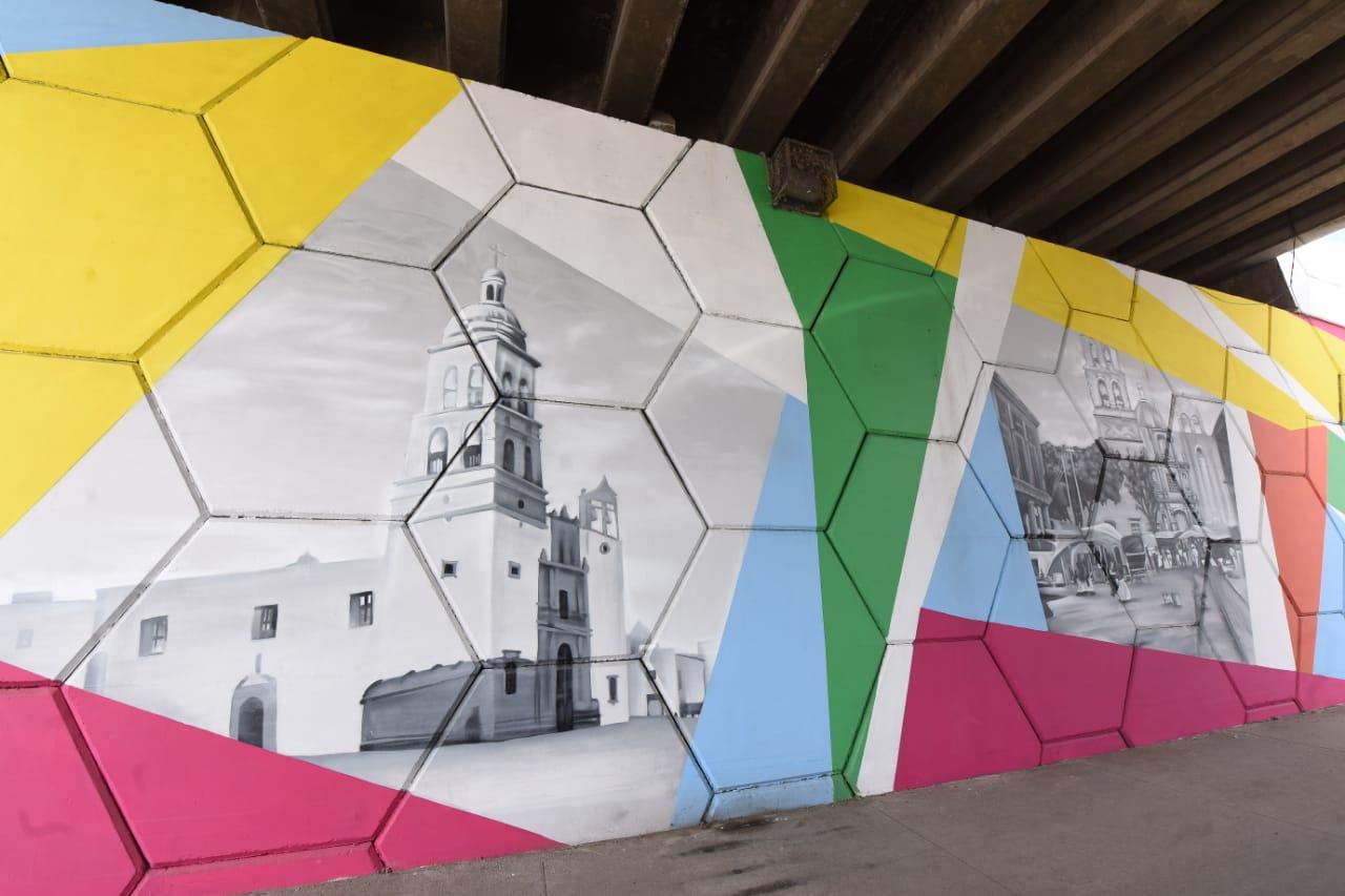 Inauguran murales conmemorativos en puentes de Irapuato