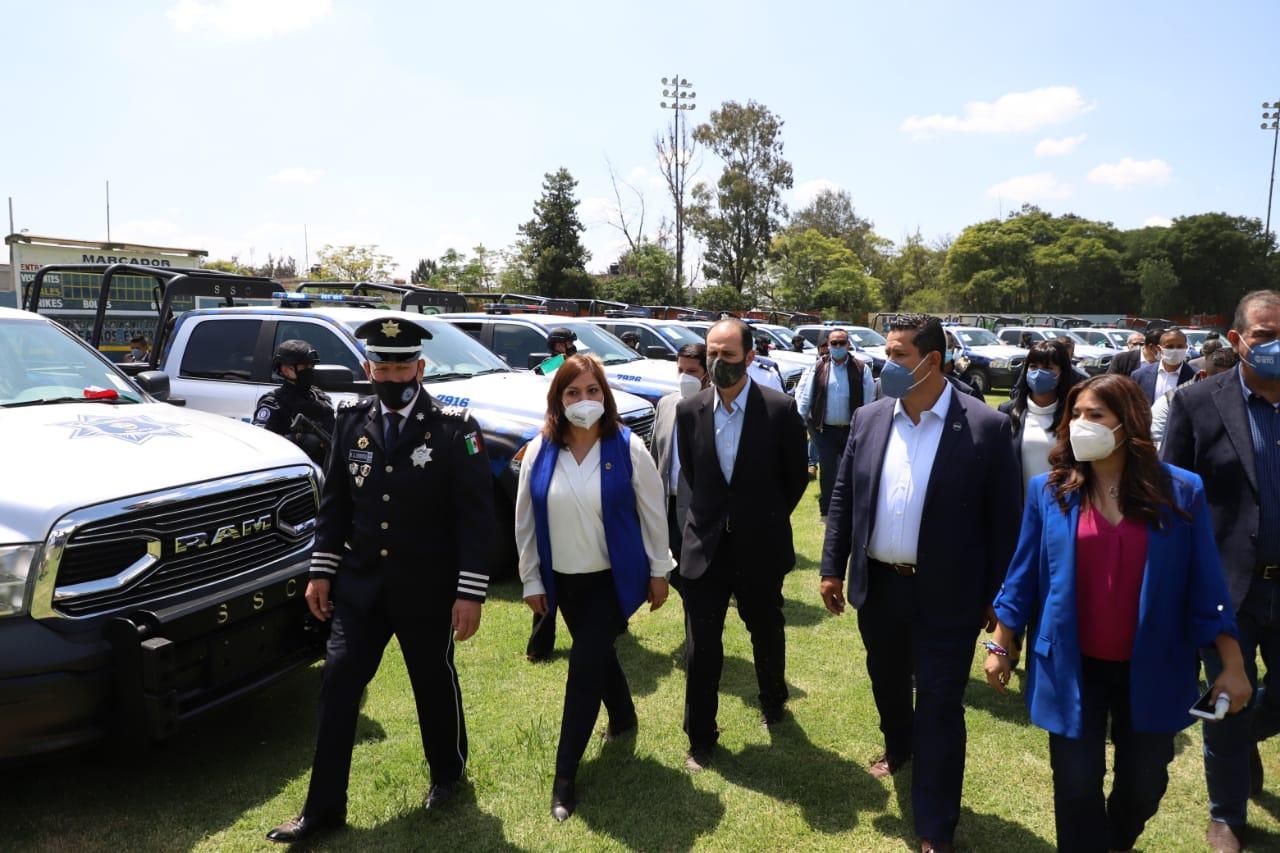 Inauguran puente de avenida Irrigación y entregan equipamiento a seguridad en Celaya
