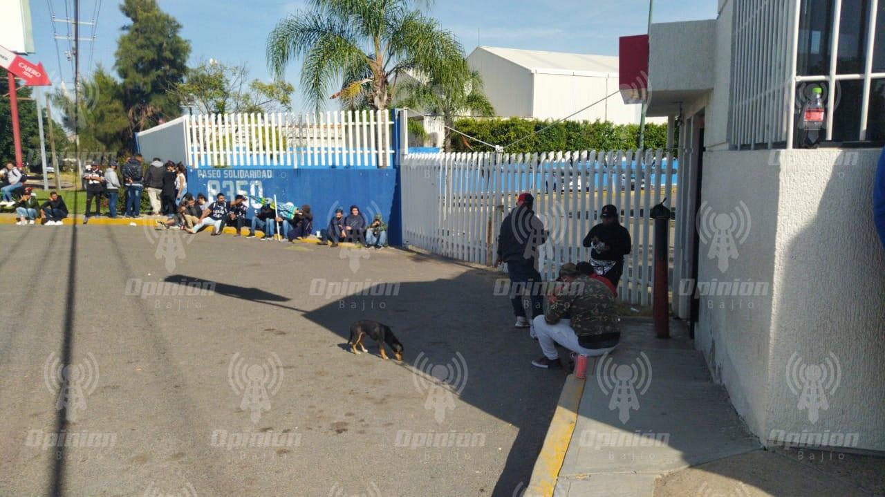 Protestan integrantes de anexos por falta de permiso de uso de suelo; Tras manifestación obtienen documentos