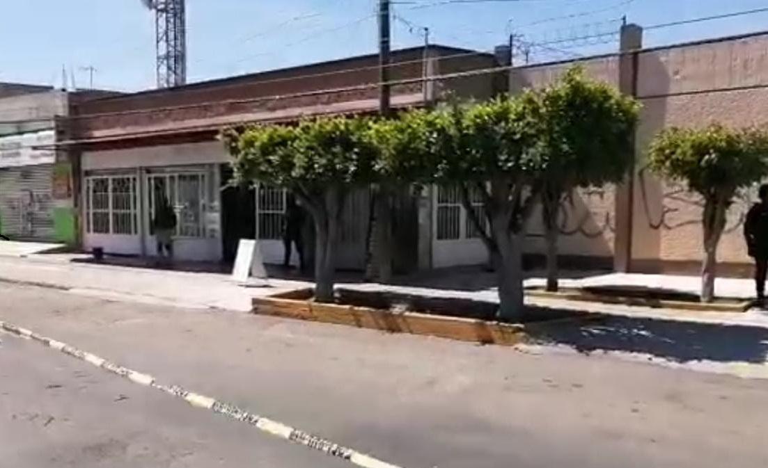 Ataque armado en negocio de carnitas; un herido grave