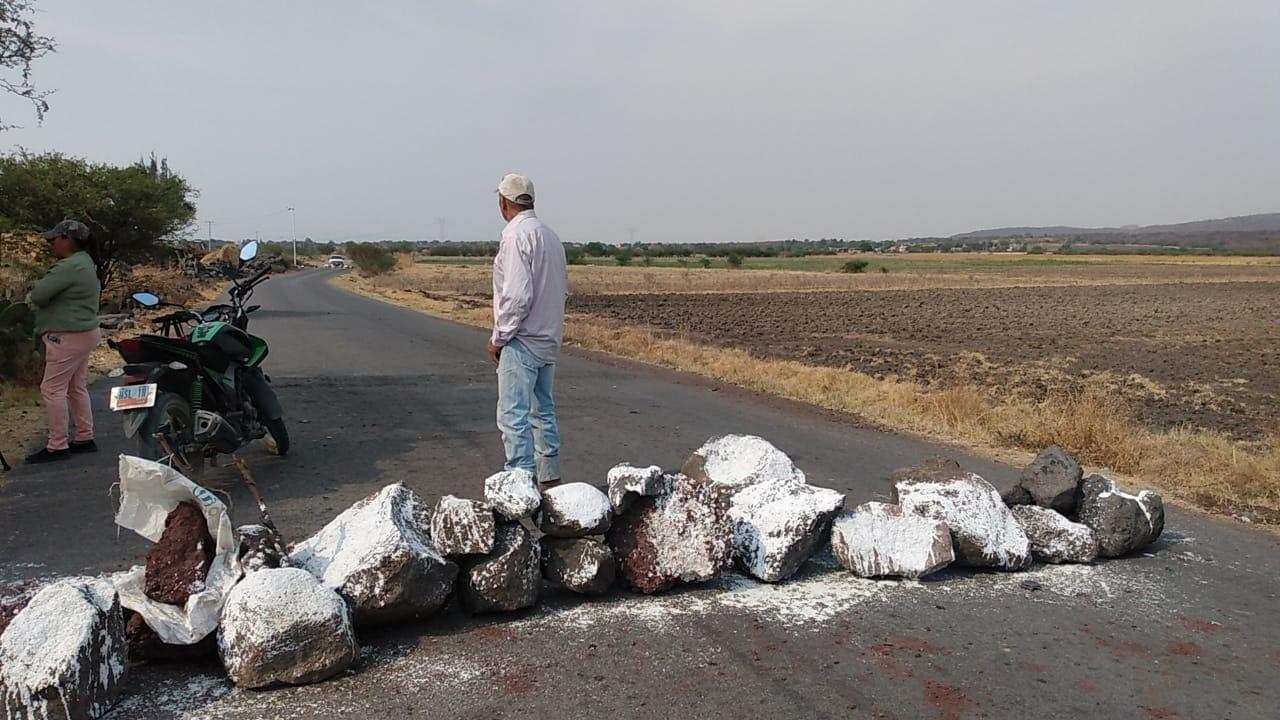 Bloquean camino al relleno sanitario de Salamanca, por incumplimiento de gobierno municipal