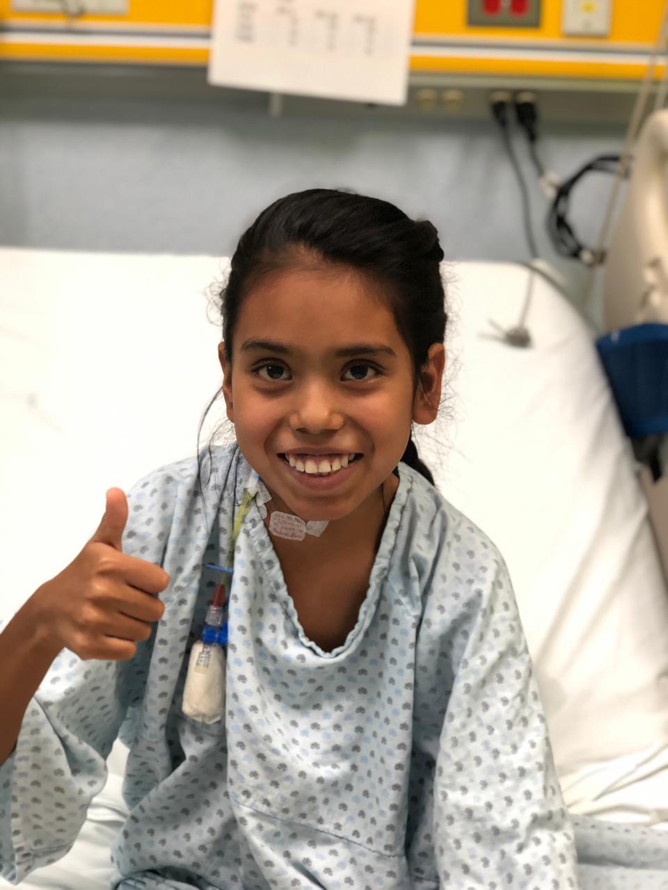 Niña de 11 años recibe transplante de riñón; niño de 7 años fue el donador