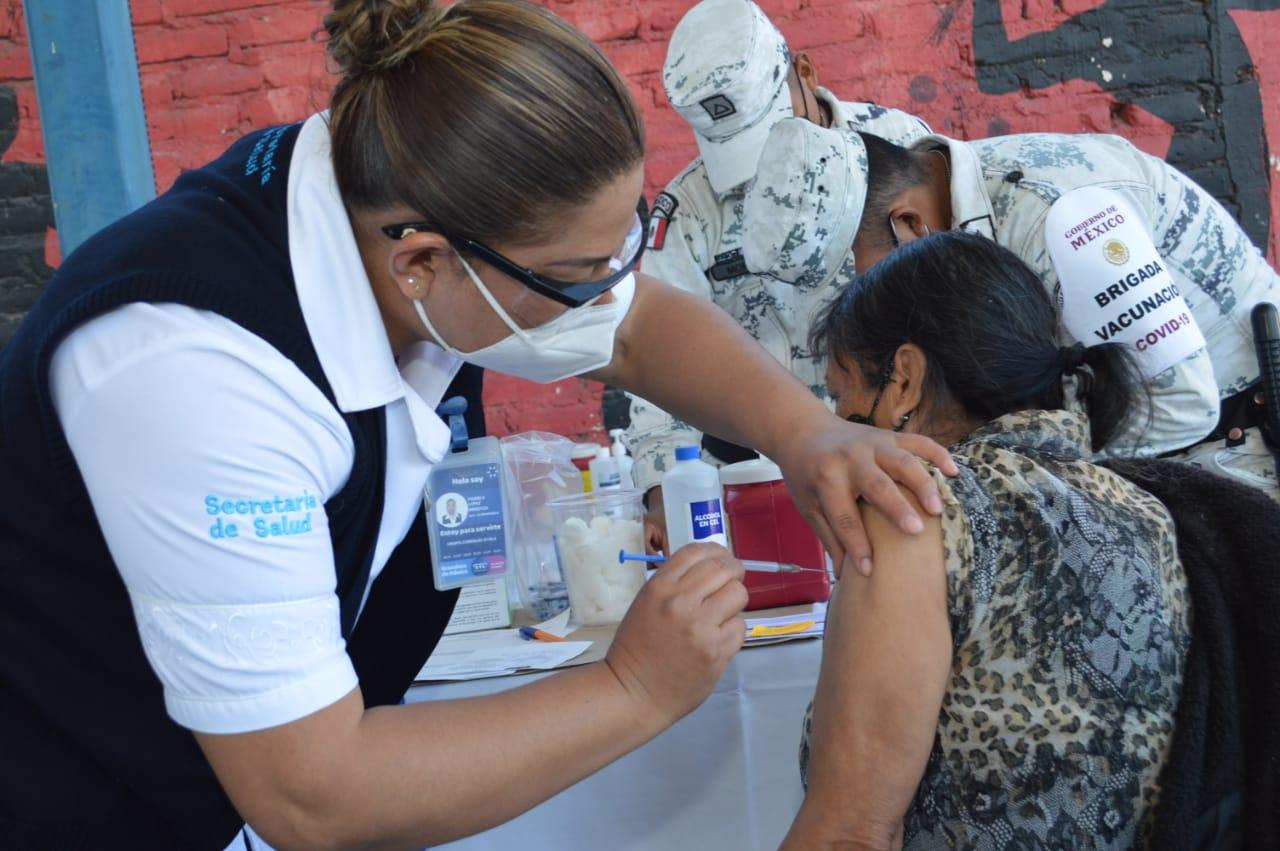 Van 105 casos de nuevas cepas de coronavirus; sin fecha para vacuna de 40 a 49 años en Irapuato