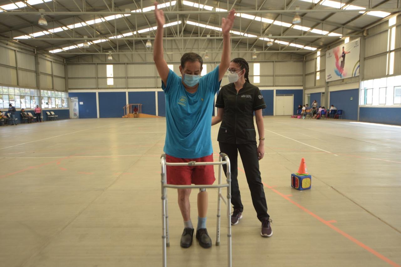 Mantiene DIF Irapuato atención en rehabilitación física