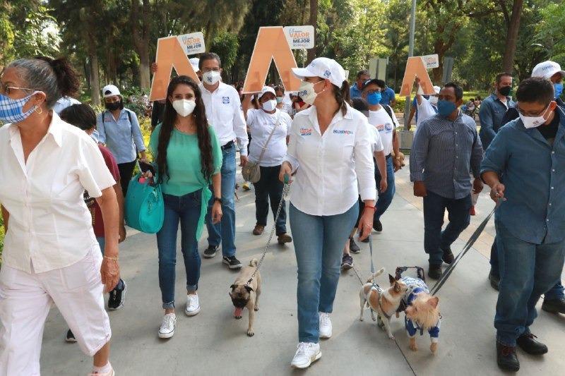 Firma Lorena Alfaro 5 compromisos para protección animal