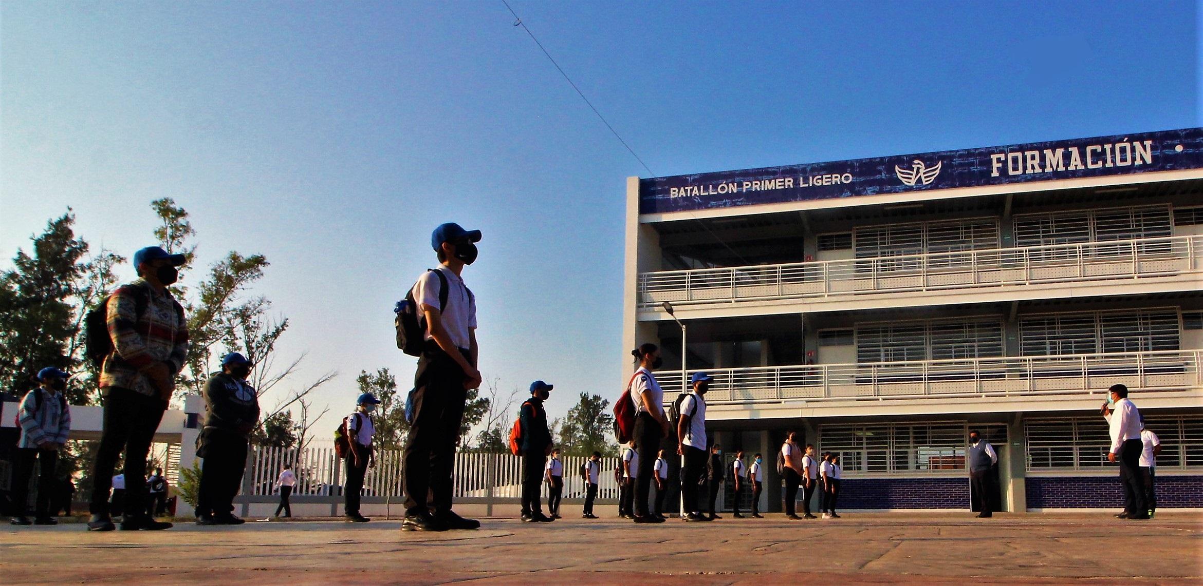 Bachillerato militarizado inicia pilotaje de clases presenciales