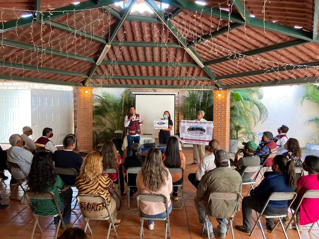 Respaldan líderes de colonias petroleras y comunidades a César Prieto