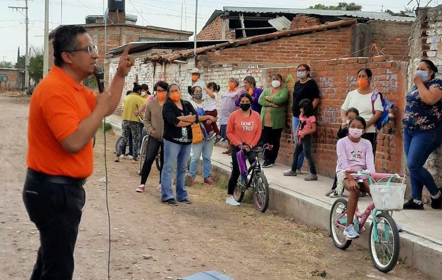 Inseguridad y servicios, piden vecinos de Nuevo Copalillo y el Naranjal a Martínez Nava