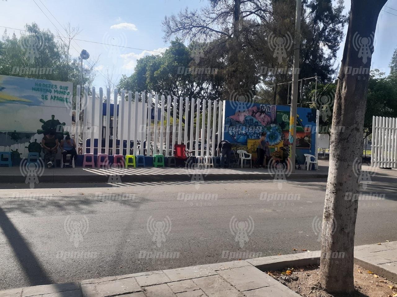El colmo: a 36 horas de vacunación a 50 a 59 años, ya hay filas en Irapuato