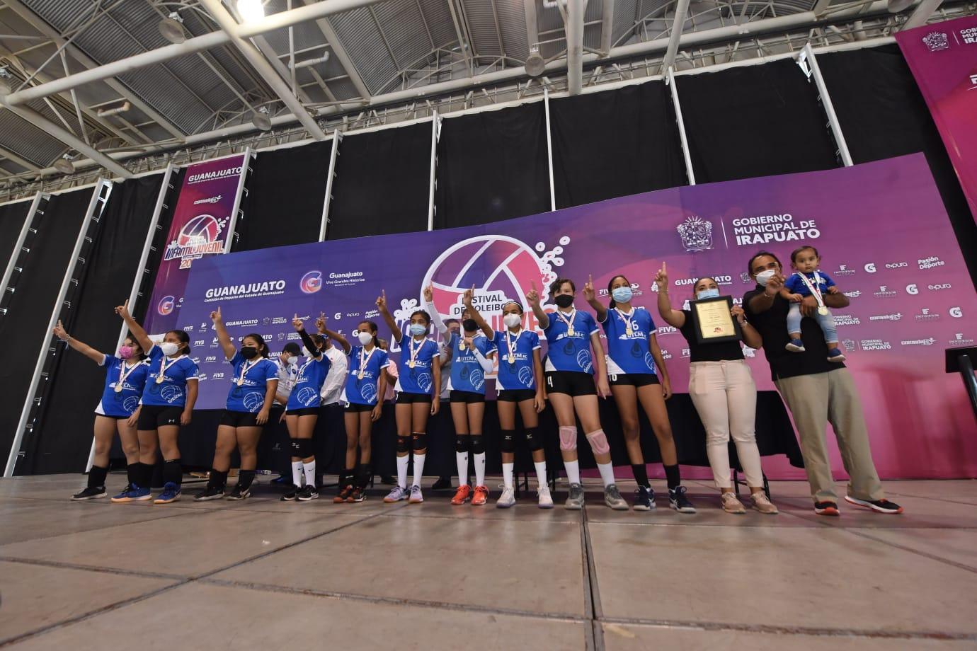 Concluyó festival nacional de volibol; participaron 4 mil 500 deportistas