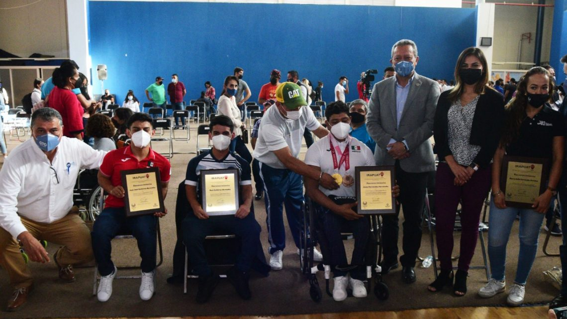 Atletas paralímpicos que participaron en Tokyo 2021 recibieron homenaje