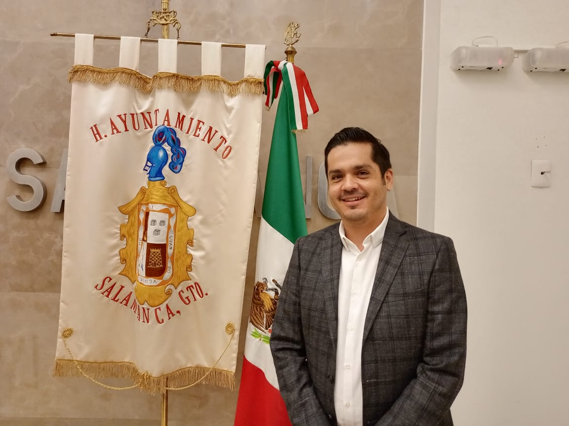 Presenta César Prieto a su equipo de transición
