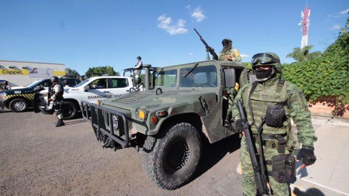 Tras bombazo en Salamanca, llegan más soldados para vigilancia y revisión de paqueterías, comercios y autoservicios