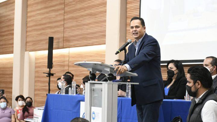 Se registra Lalo López Mares como candidato a la dirigencia estatal del PAN