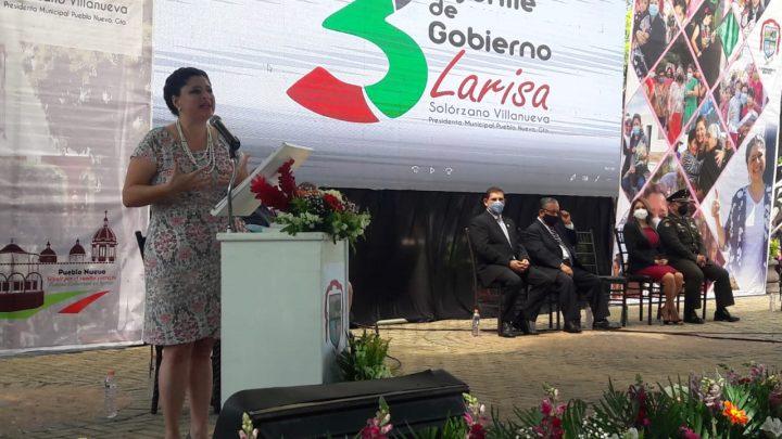 """""""La gente no elige siglas de partidos, elige personas y liderazgos"""": Larisa Solórzano en 3er informe"""
