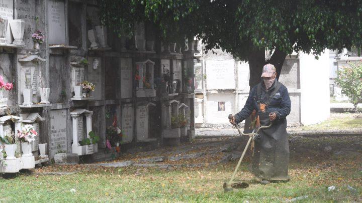 Confirman apertura de panteones de Irapuato para Día de Muertos
