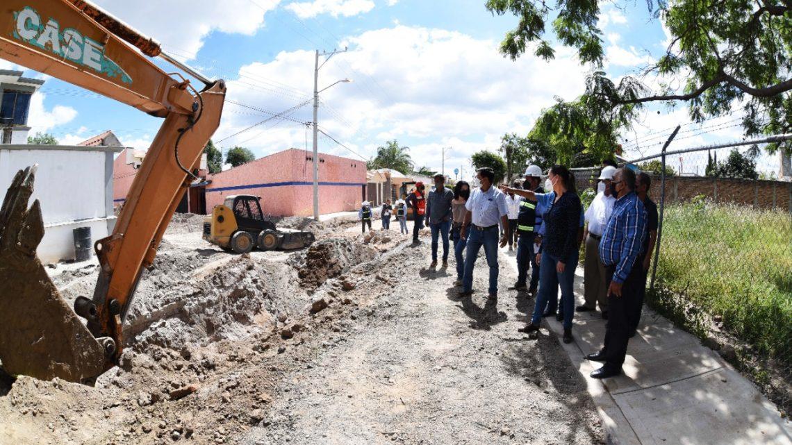 Supervisa Lorena Alfaro obra pública en zonas urbanas y rurales